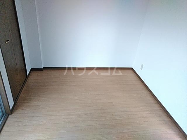 光ハイツ 102号室の居室