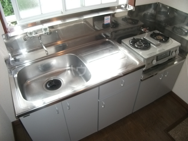 シューコーポ 203号室のキッチン