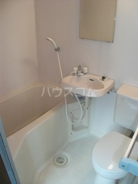 シューコーポ 203号室の洗面所