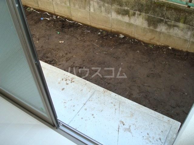 プティカァーネ 102号室のバルコニー