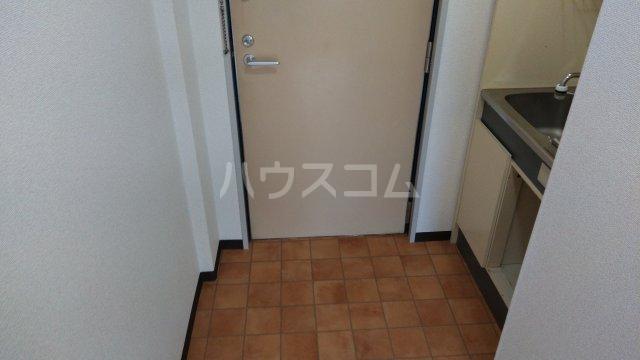 大池5番館 307号室の玄関