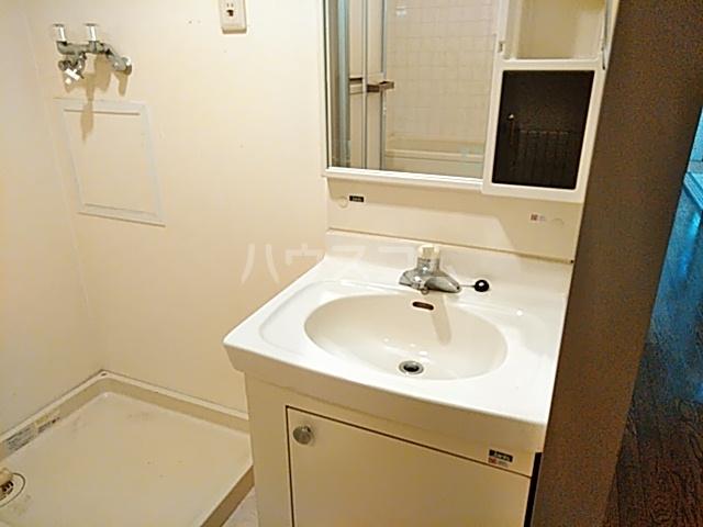 エクセレンス茨木 102号室の洗面所