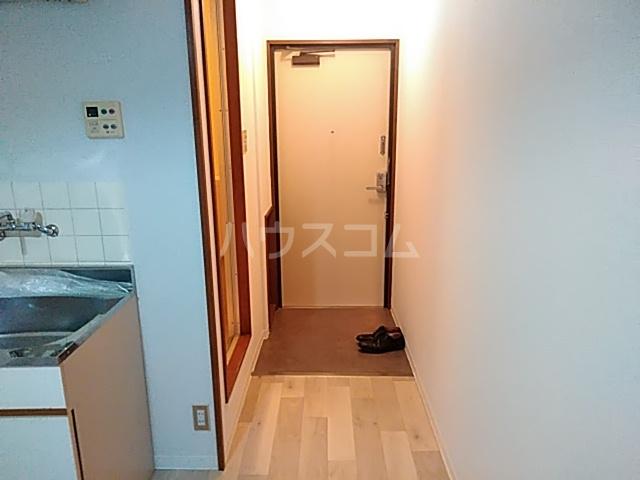 崎山ハイム 202号室の玄関