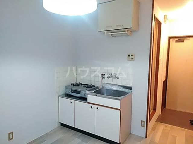 崎山ハイム 202号室のキッチン