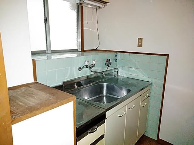 ネオコーポ都 東棟 212号室のキッチン