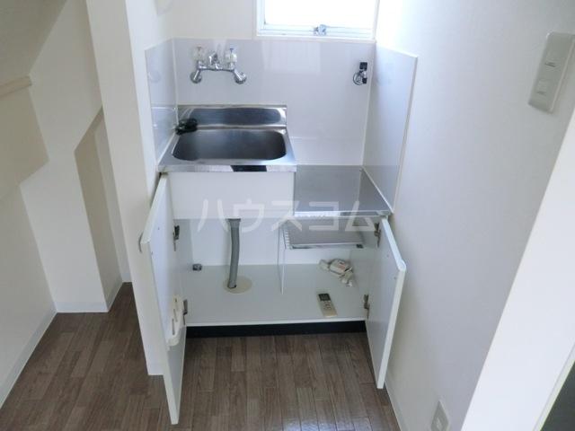 成増ヴィレッヂ 201号室のキッチン