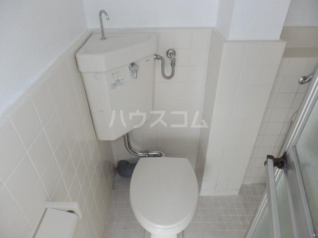 成増ヴィレッヂ 201号室のトイレ