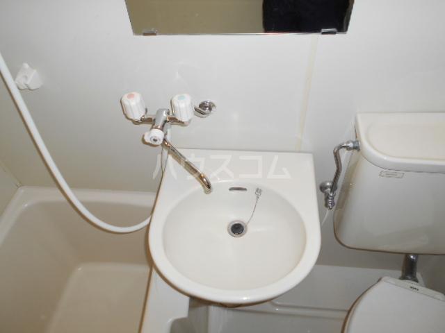 NOAマンション 702号室の洗面所