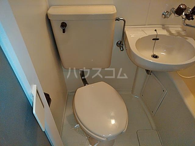 ビー・エスパース 205号室のトイレ