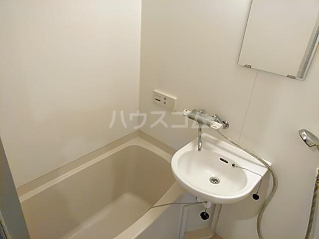 ノースウィング 323号室の風呂