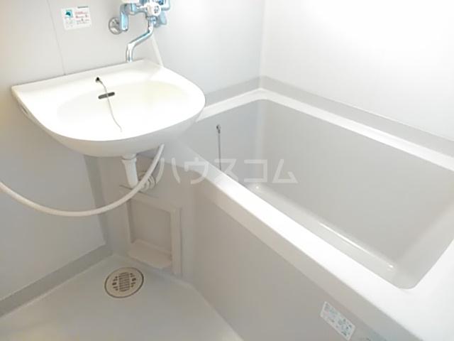 ヤーデンハウス 106号室の風呂