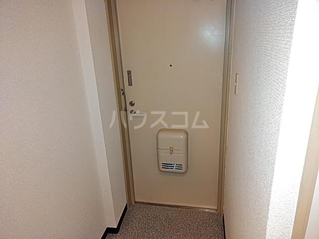 本町8番館 309号室の玄関