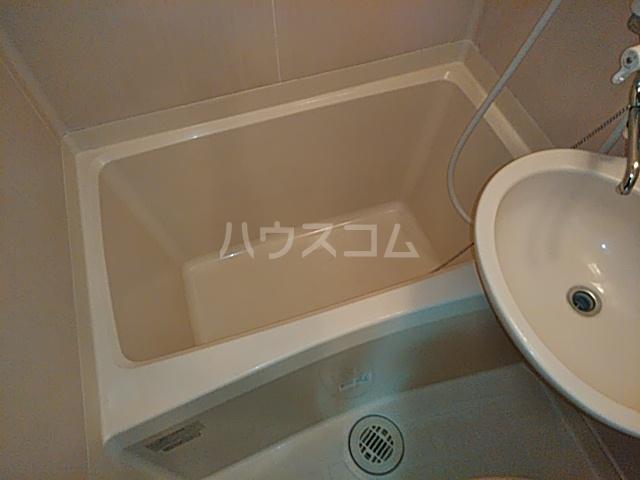 アンフィニィ・西町 208号室の風呂