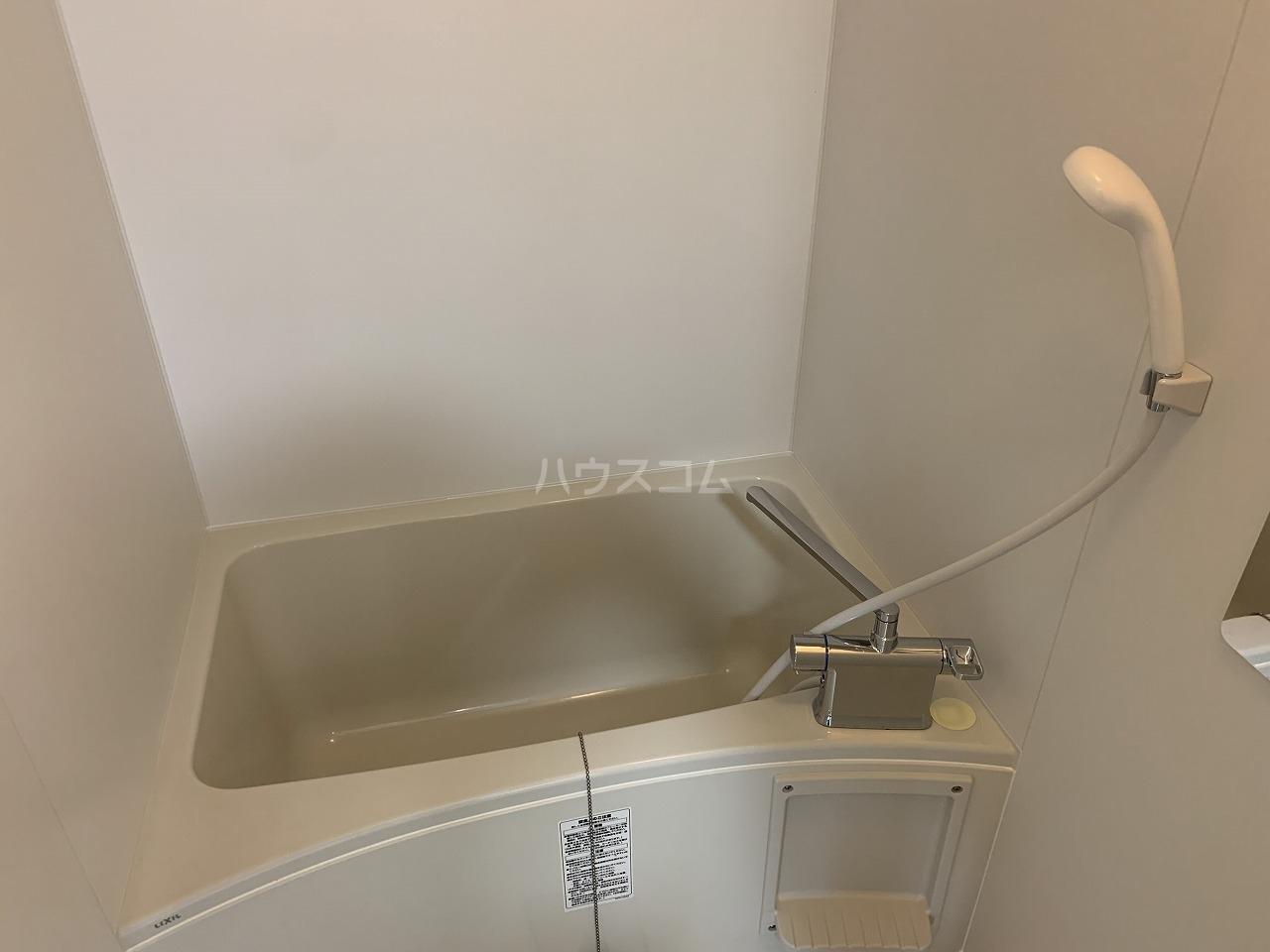 シャンボール岡崎 801号室の居室
