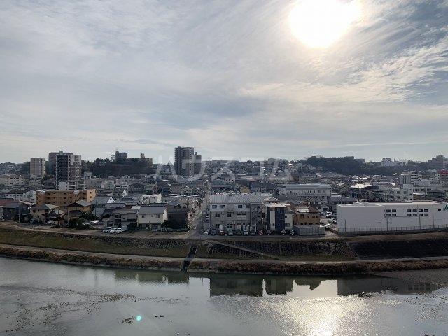 シャンボール岡崎 801号室の玄関