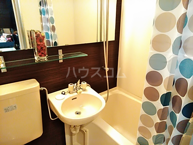 ガルボ茨木 202号室の洗面所