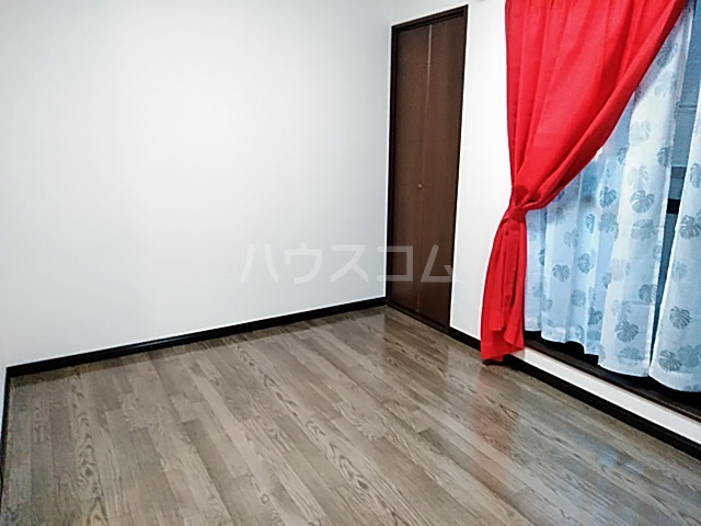 ガルボ茨木 202号室のリビング