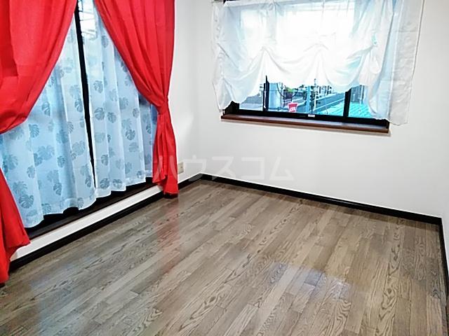 ガルボ茨木 202号室のベッドルーム