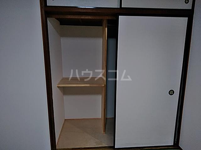 チェリーハイツ 205号室の収納