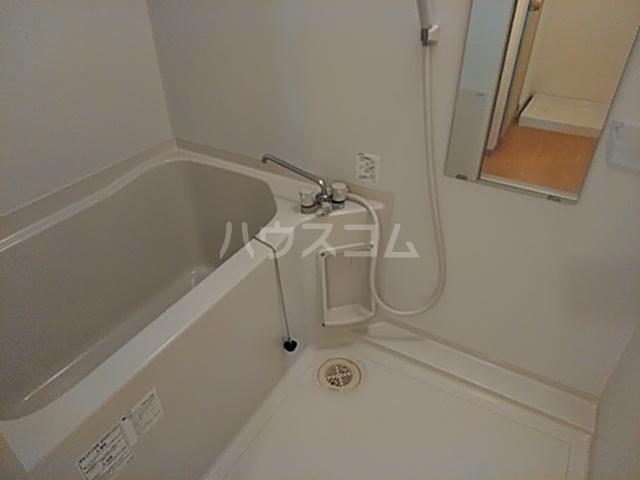 石髙ハイツ 203号室の風呂
