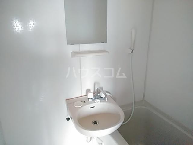 光荘 21号室の洗面所
