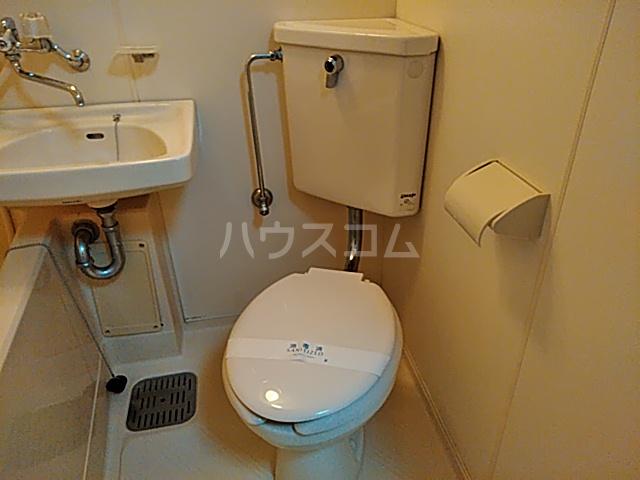 ジュネス阪本 208号室のトイレ