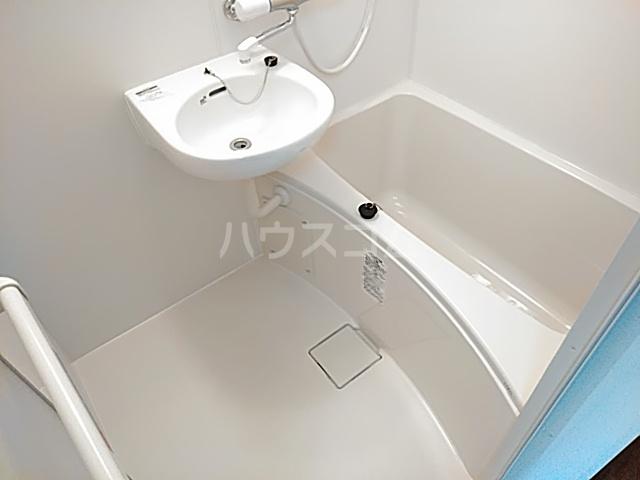 グリーンハイツ 405号室の風呂