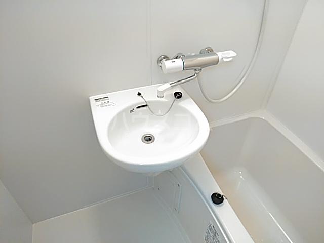 グリーンハイツ 405号室の洗面所