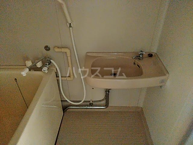 ジョイハイツ 211号室の洗面所