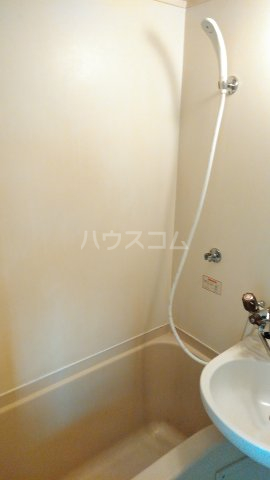 ニューライン岡町 302号室の風呂