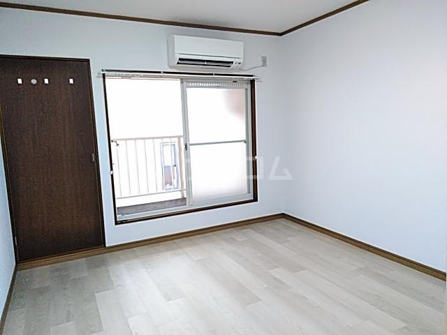 ラフォーレ小野原 202号室のリビング