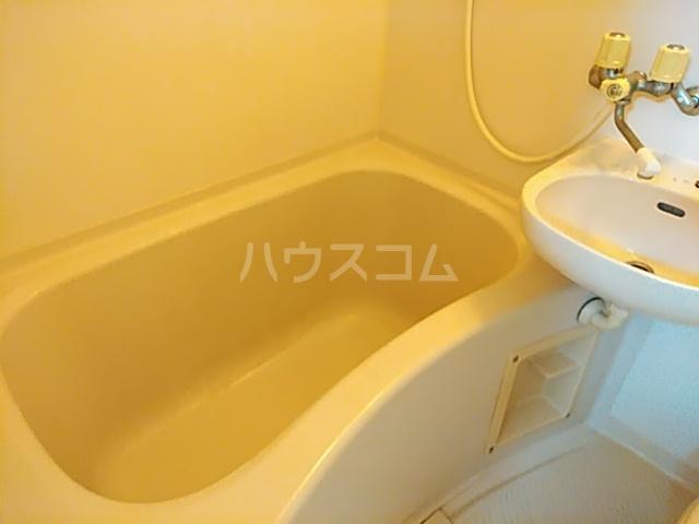 ラフォーレ小野原 202号室の風呂