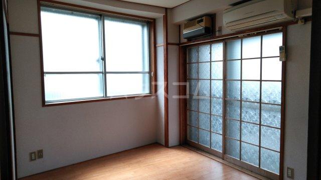 山ノ上ハイツ 301号室の居室