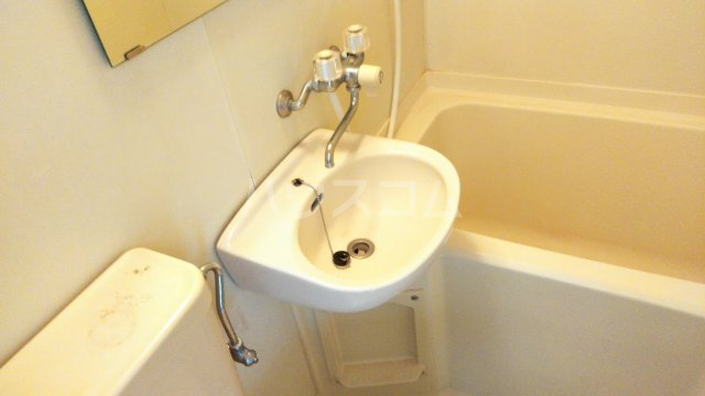 グリーン蛍 201号室の洗面所