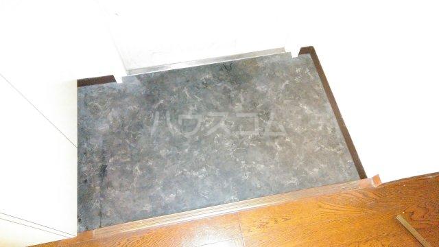 コアヒルI 301号室の玄関
