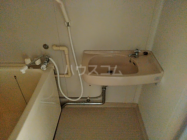 ジョイハイツ 208号室の洗面所