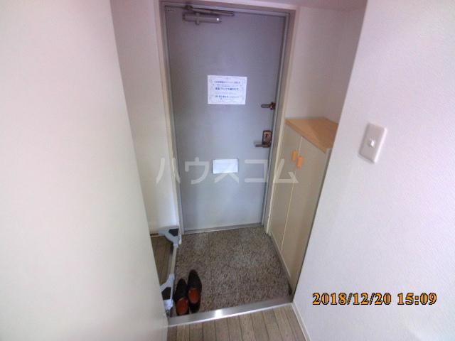 ミルオンデュール竹生 203号室の玄関