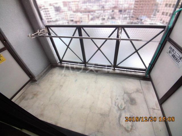 ミルオンデュール竹生 203号室のバルコニー