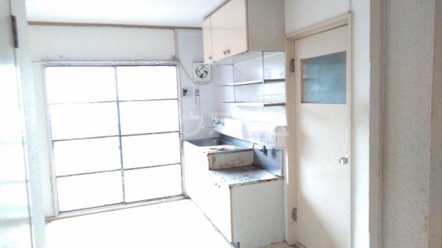 長興寺マンション 302号室のリビング
