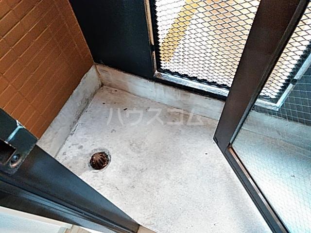 サンパレス21パティオ豊中B棟 202号室のバルコニー
