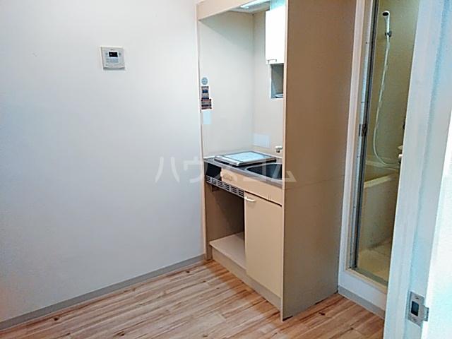 サンパレス21パティオ豊中B棟 202号室のキッチン
