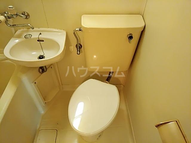 サンパレス21パティオ豊中B棟 202号室のトイレ