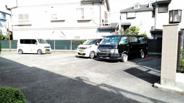 ピアシャンテ 107号室の駐車場