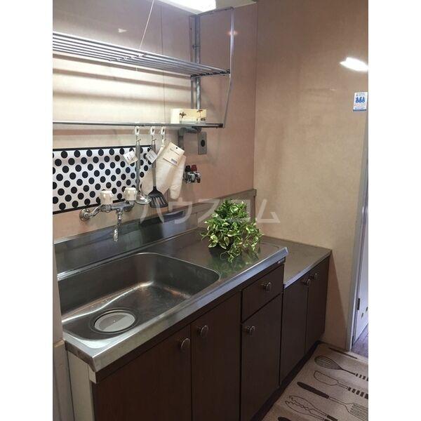 エムエス岡町ビル 302号室のキッチン