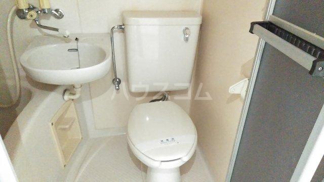 レオパードウエハラ 403号室のトイレ