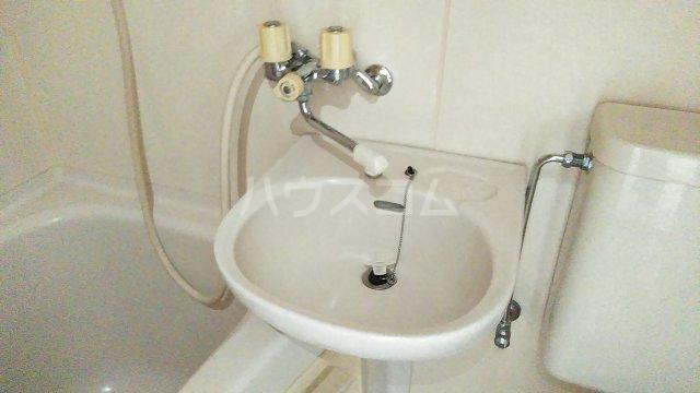 レオパードウエハラ 403号室の洗面所