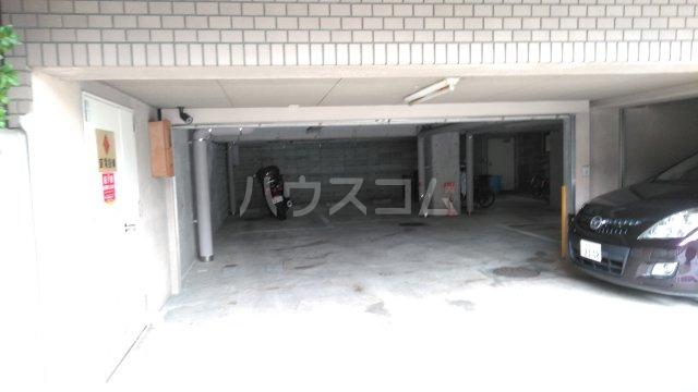 豊中ガーデンズコート 214号室の駐車場