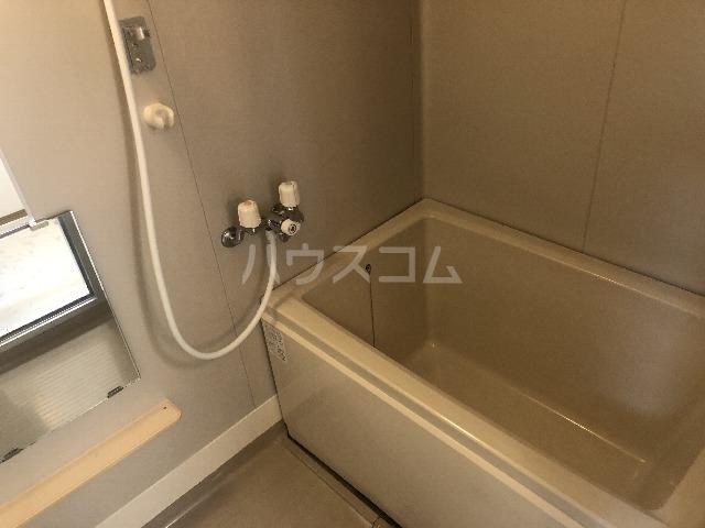 十番館 206号室の風呂