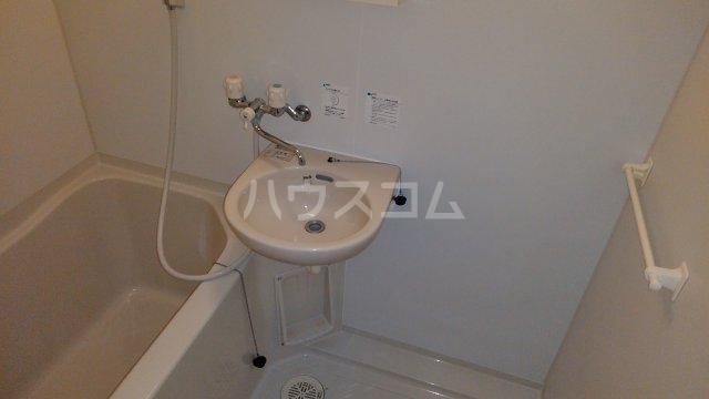M・T・Dサンフラワー 203号室の洗面所