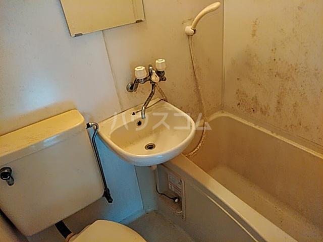 LIVE 208号室の洗面所